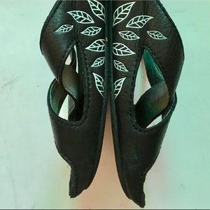 Patagonia Sky Dancer Floral-sided Sandals  US 7.